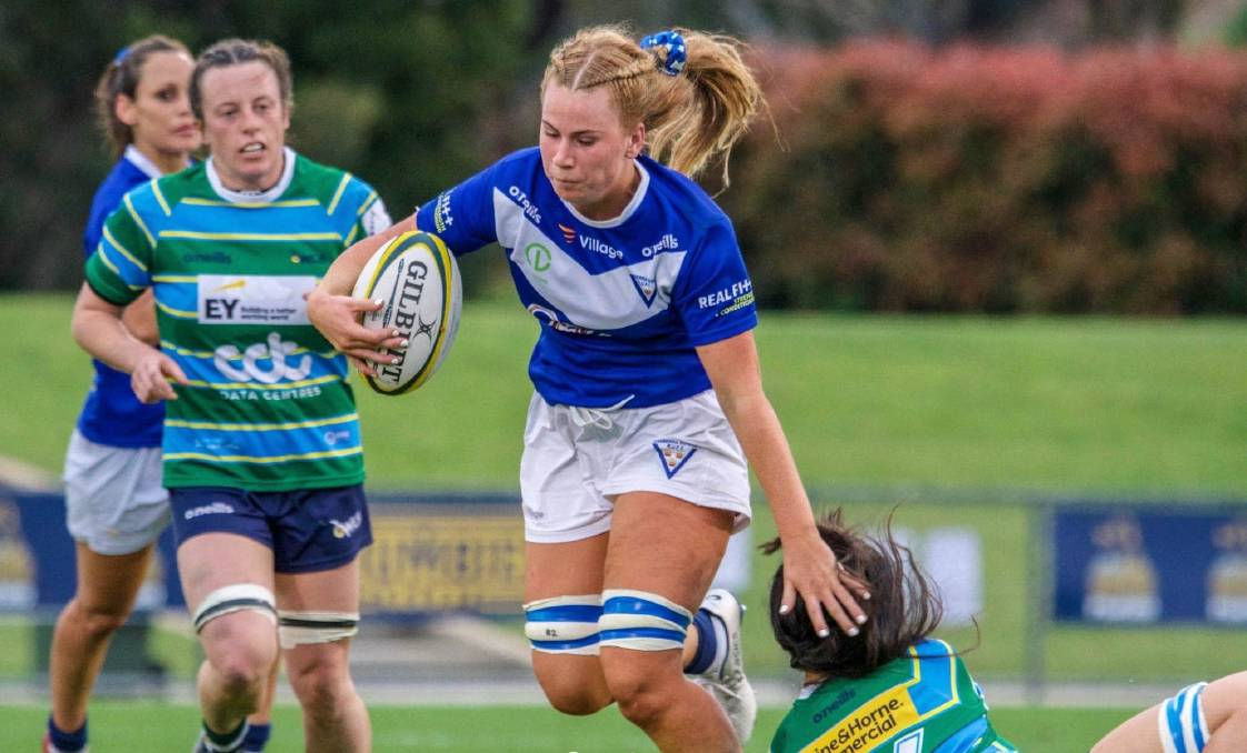 Grace Sullivan goes on a charge for her Royals Rugby side in 2020. Photo: Jayzie Photography