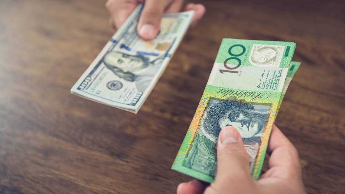 Get in early: The ACCC inquiry found foreign cash is more expensive at airport locations than at other locations. When buying USD200 in February 2019, consumers could have saved AUD40 by purchasing from the cheapest supplier at a non-airport location, compared with the most expensive supplier at the airport.
