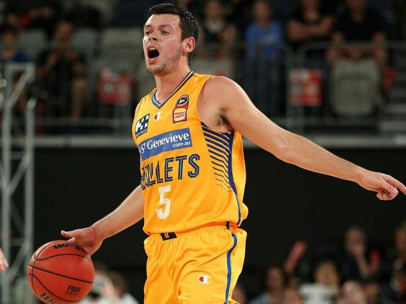 Jason Cadee scored 22 points for the Brisbane Bullets in their 88-82 win over the Illawarra Hawks.